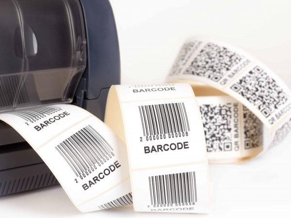 Imagem mostra impressora de etiquetas.
