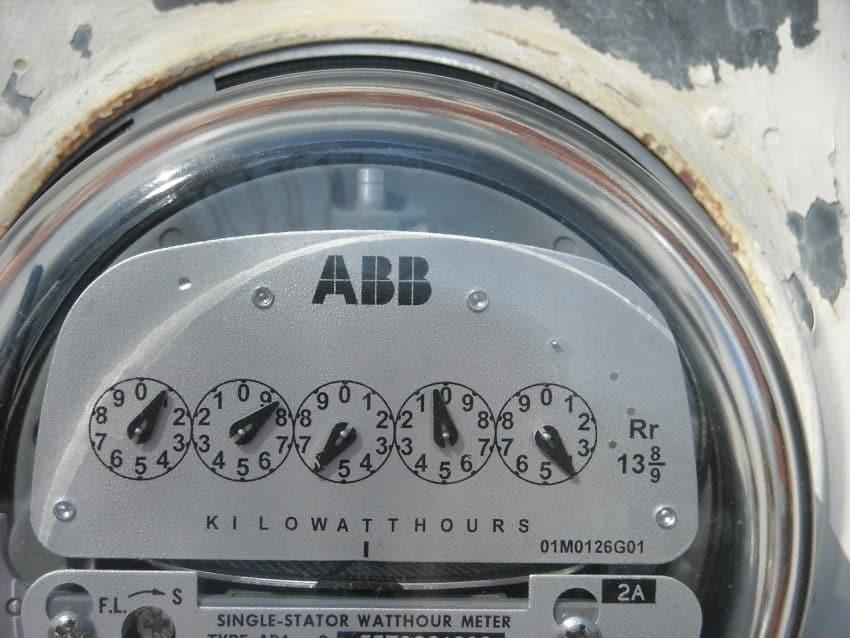 Imagem mostra medidor de energia elétrica.