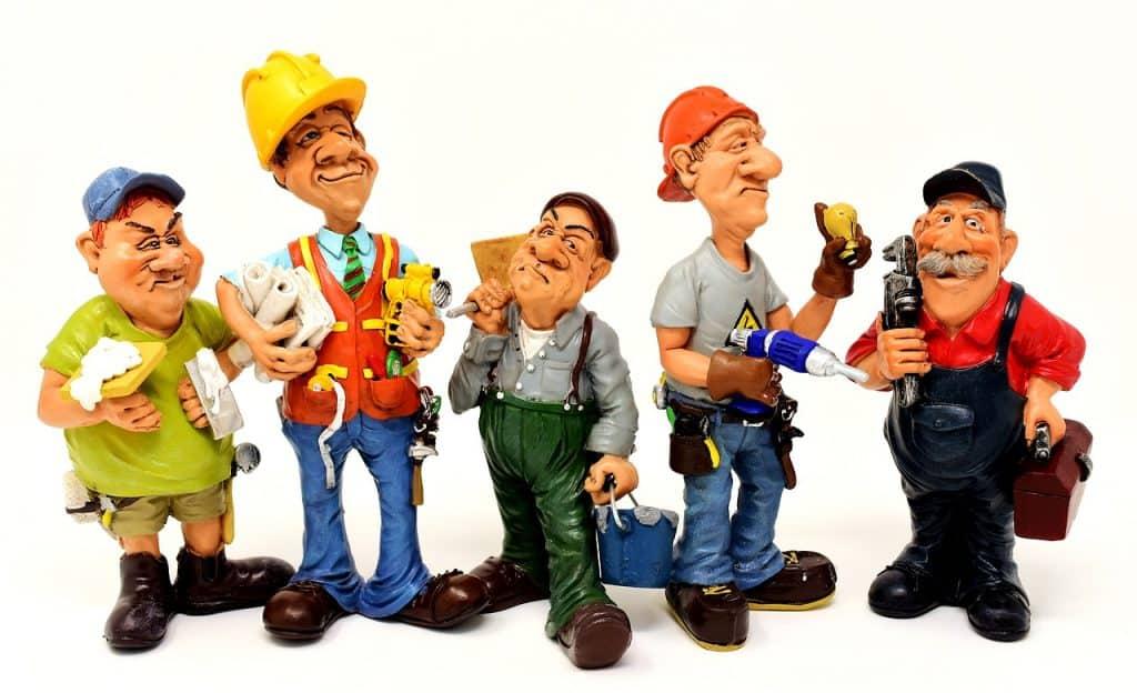 ilustrações de cinco homens com diferentes ferramentas nas mãos