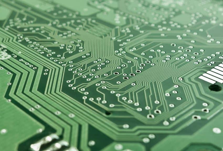 Imagem mostra circuito de computador.