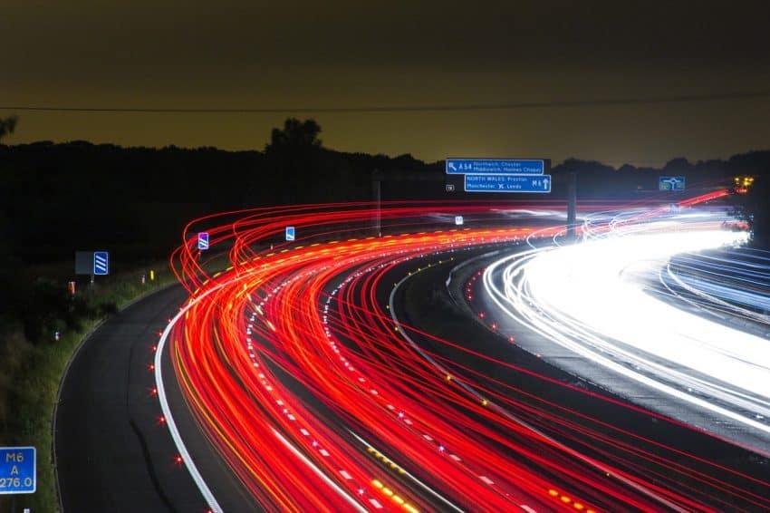Imagem que mostra uma fotografia com efeito de longa exposição.