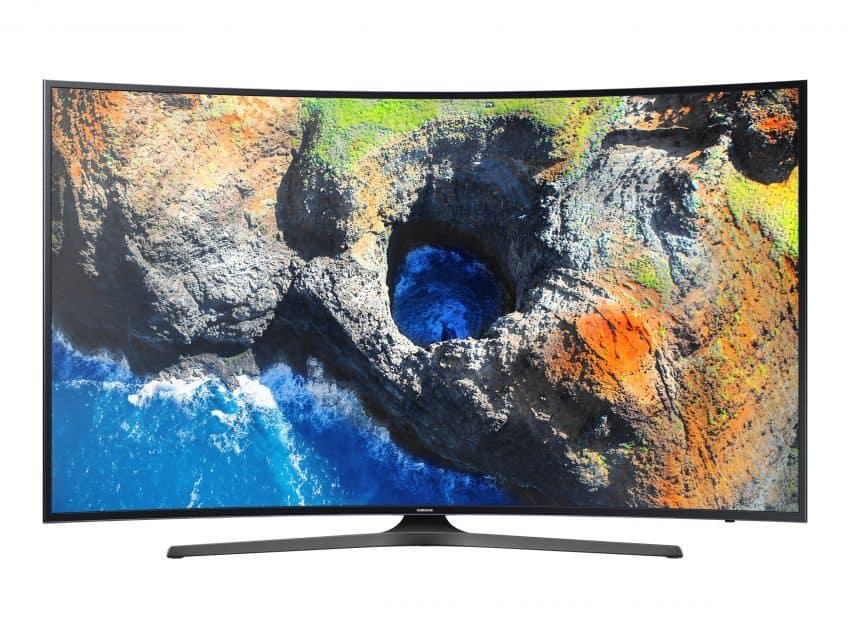 Imagem mostra smart TV com imagem na tela.