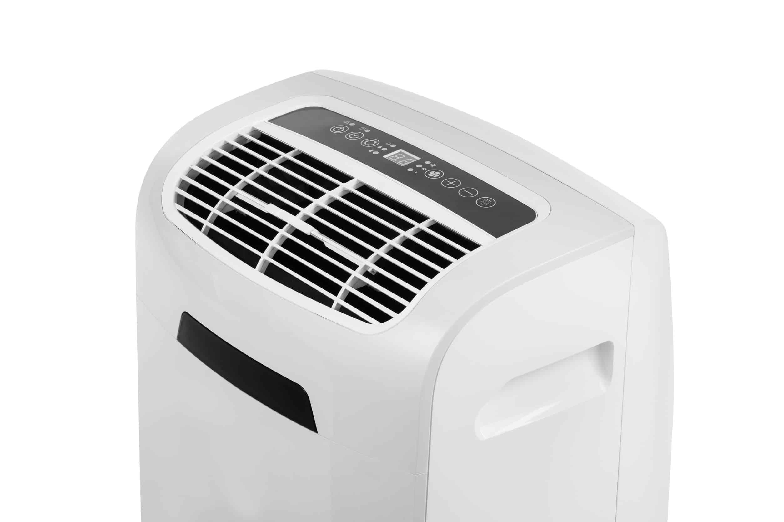 ar condicionado portátil em fundo branco