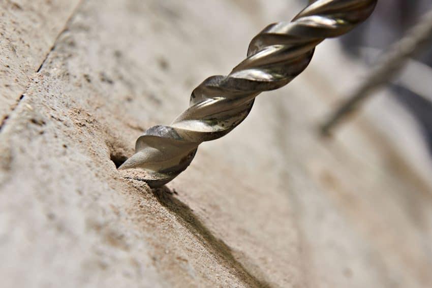 Broca para concreto em ação.