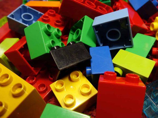 Imagem de vários cubos de Lego