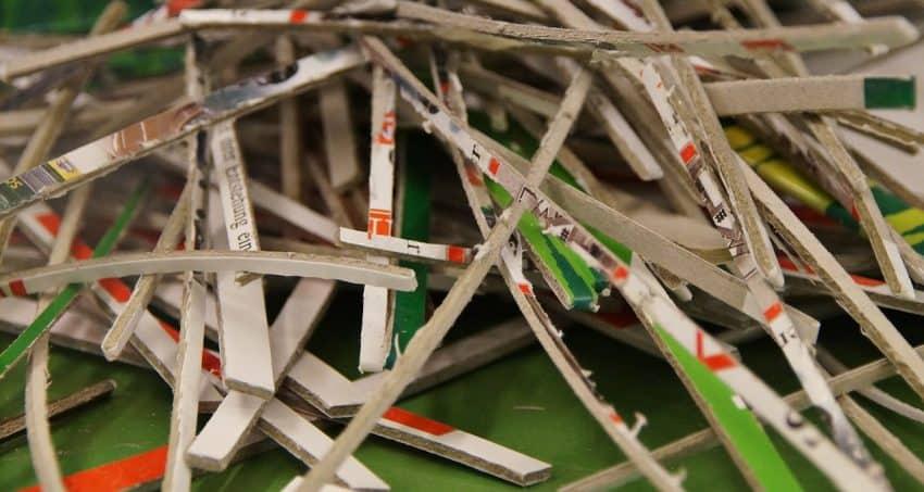 Imagem mostra grande quantidade de papel triturado.