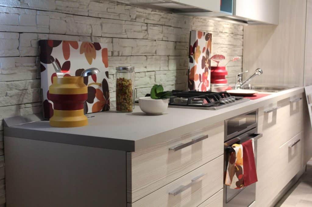 Imagem de uma cozinha planejada.