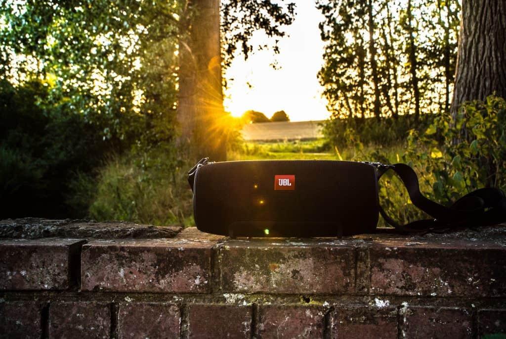 Imagem de uma caixa de som JBL Xtreme.