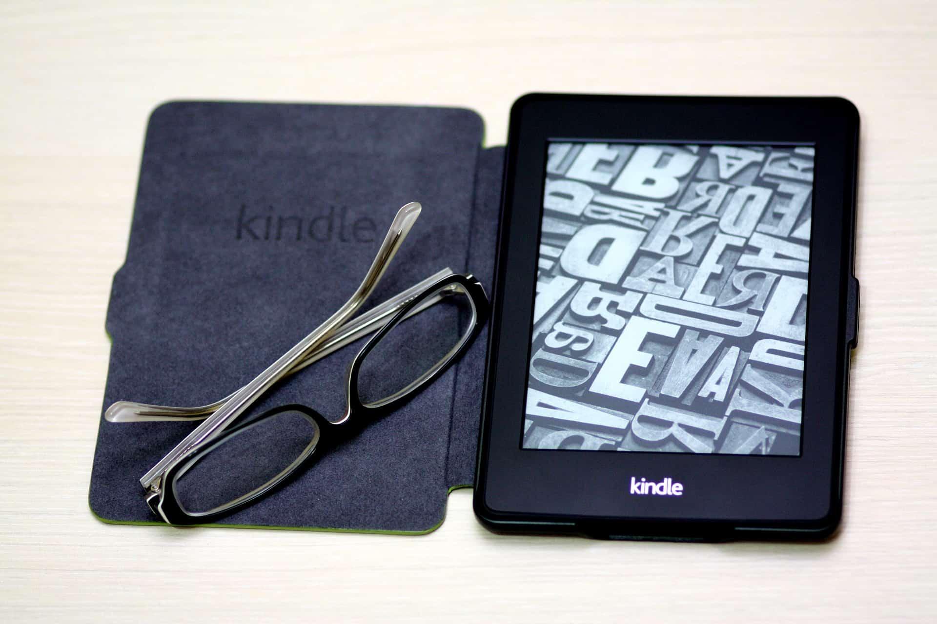 Imagem de um Kindle Paperwhite.