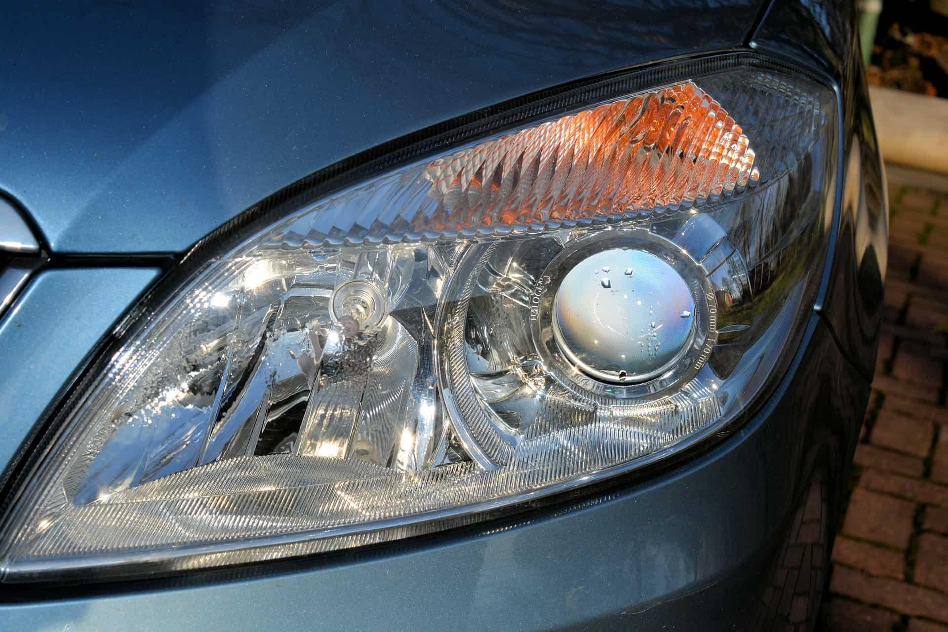Lâmpada automotiva: Como escolher a melhor em 2020?