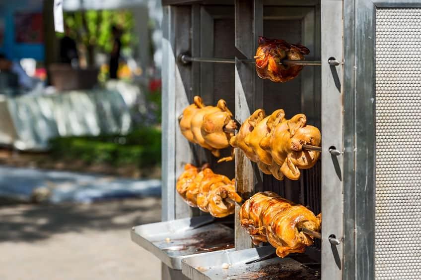 Imagem de máquina de assar frango de inox.
