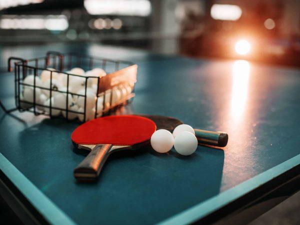 Imagem de mesa de tênis de mesa.