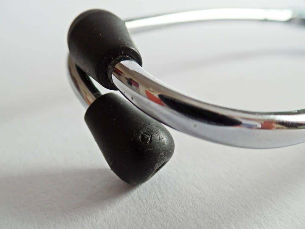Imagem de olivas de um estetoscópio.