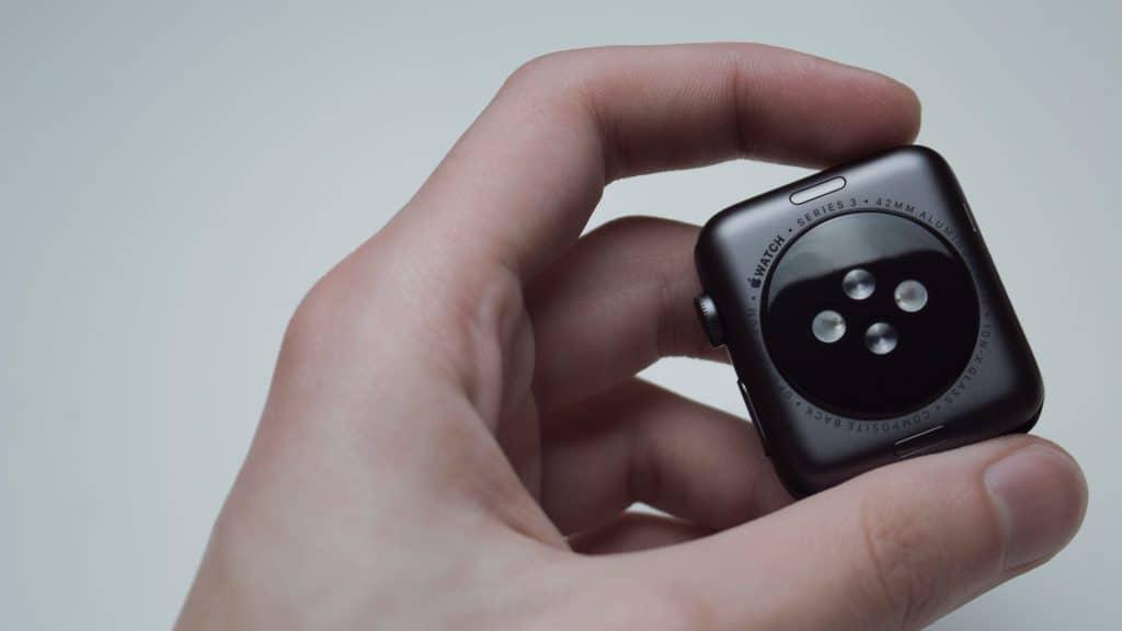 Imagem da parte interna de um Apple Watch.