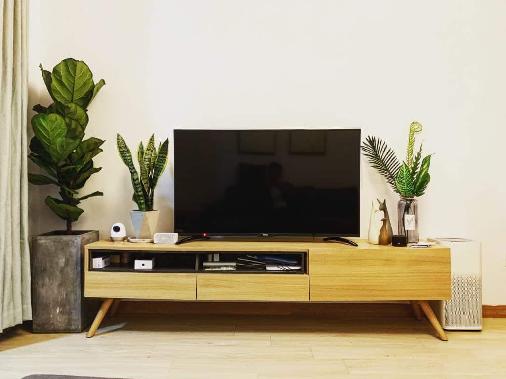 Imagem de uma TV de 32 polegadas.