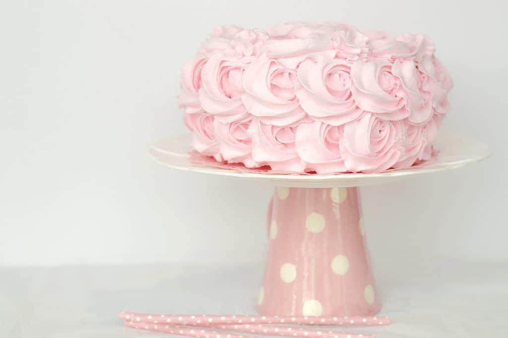 Imagem de um bolo decorado.