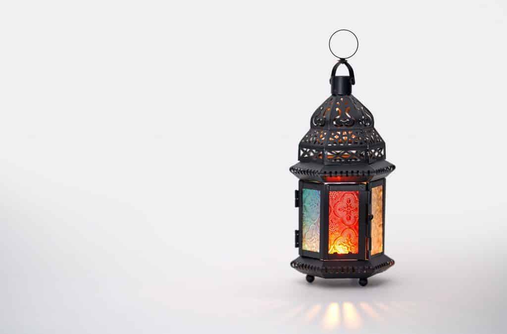 Imagem de lampião colorido.