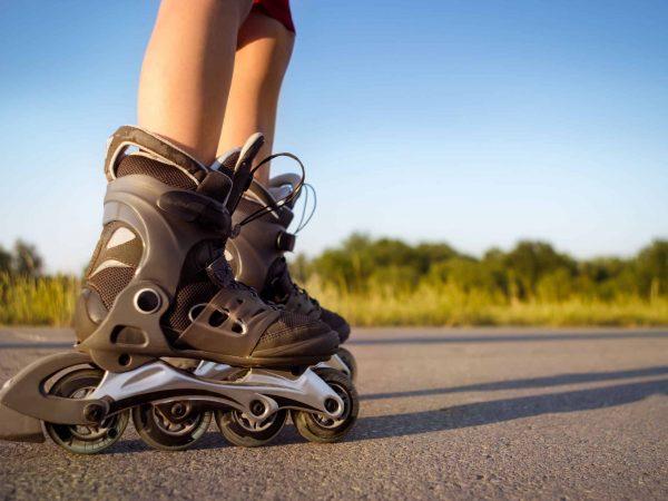 Imagem de uma pessoa de patins