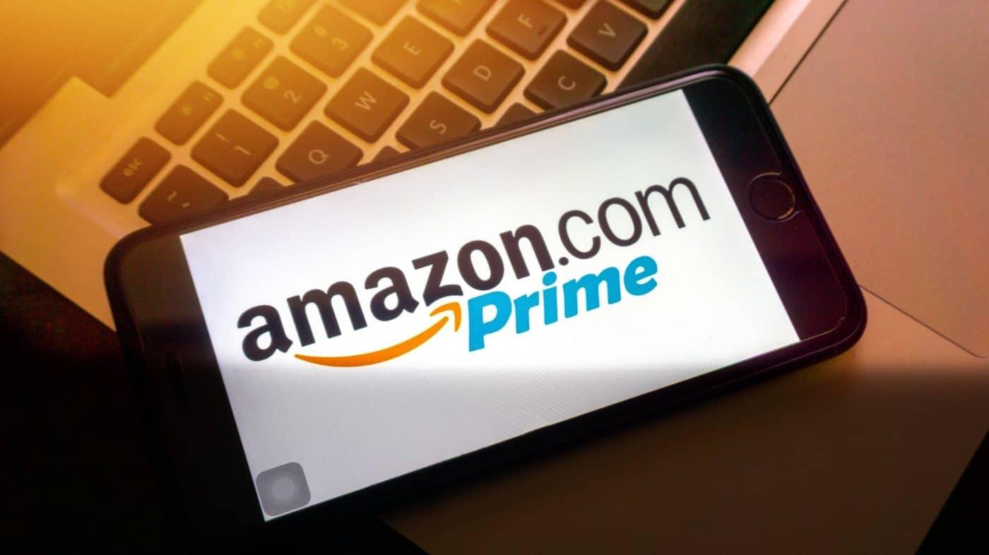Logo da Amazon Prime em um celular.