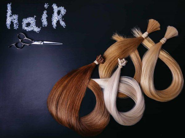 Imagem com mechas de cabelos de várias cores.
