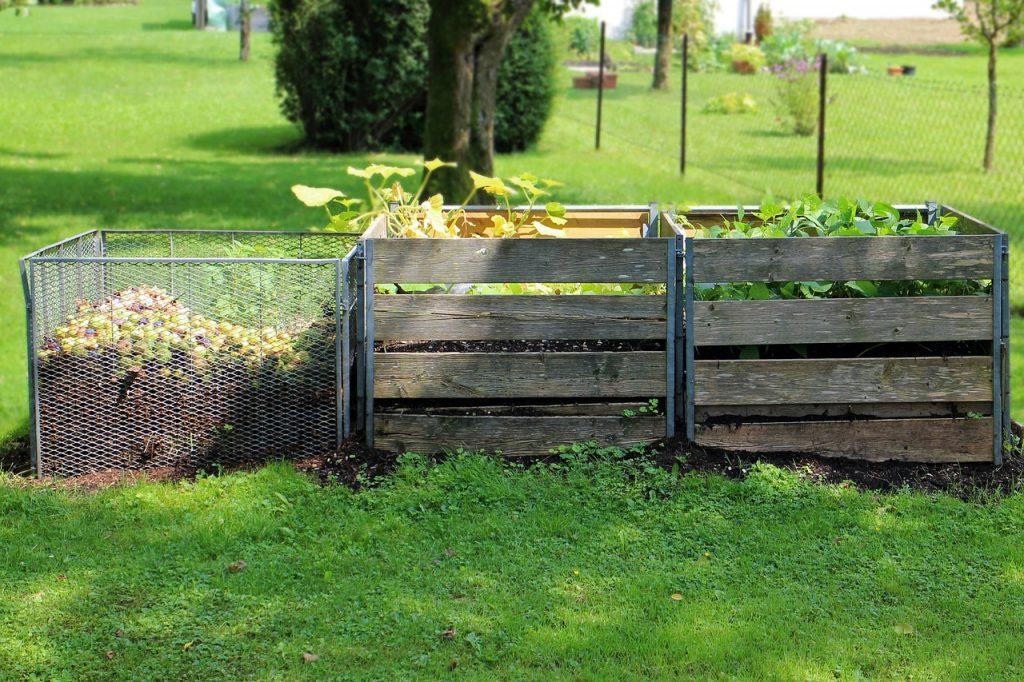 Imagem de composteira doméstica no jardim