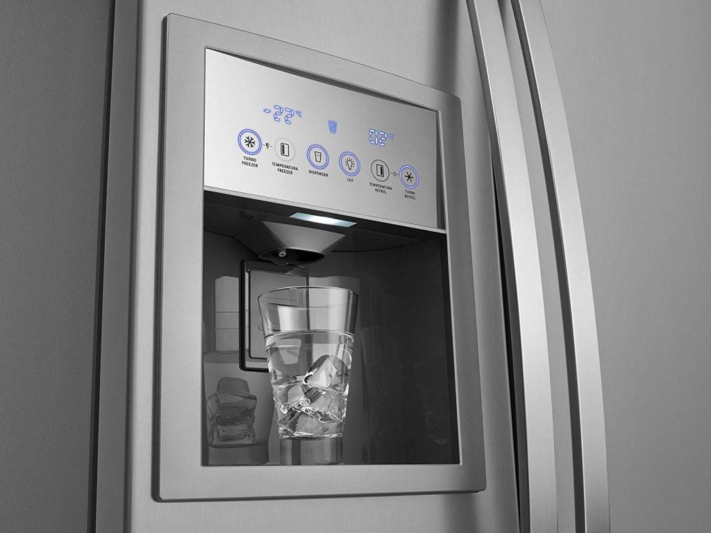 imagem do dispenser de água e gelo.