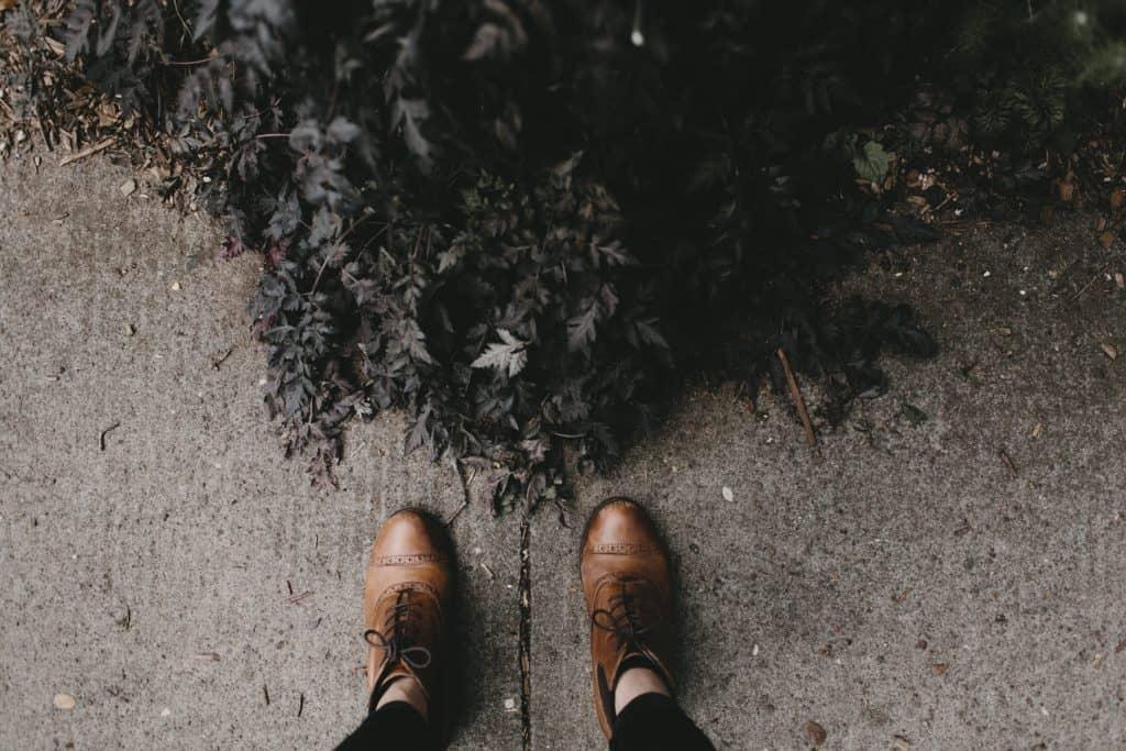 Imagem de um par de botas.