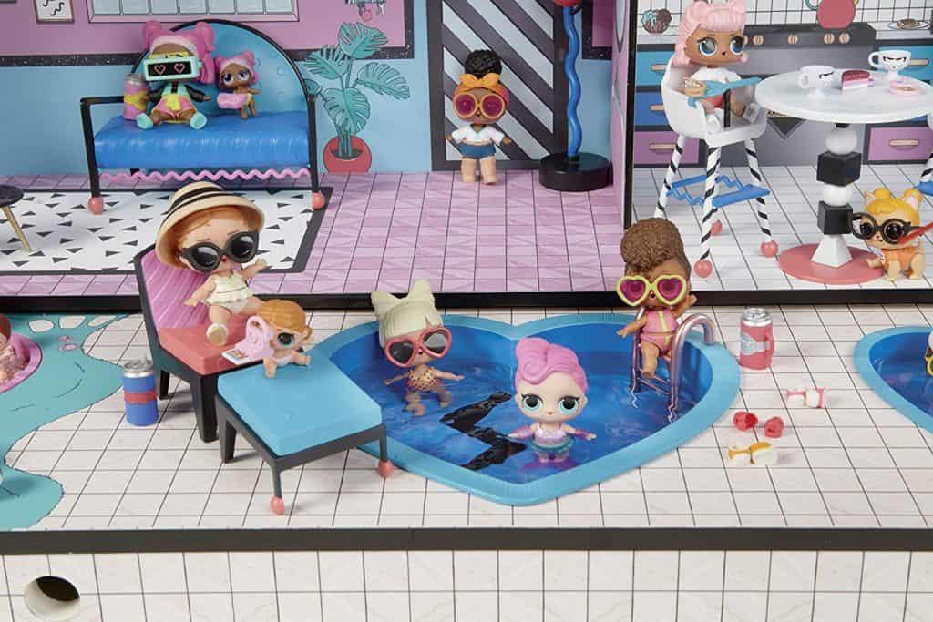 Imagem de bonecas LOL.