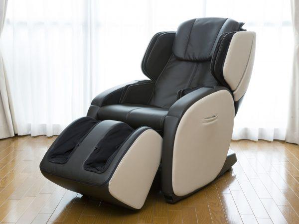 Imagem de uma poltrona de massagem.