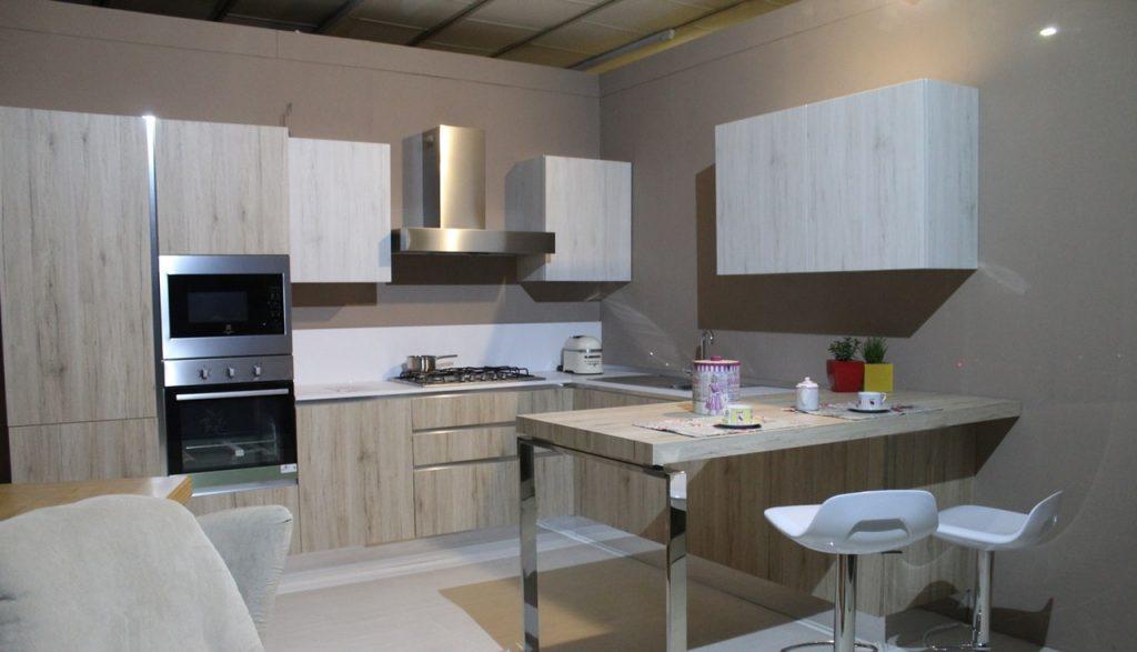 Cozinha pequena.