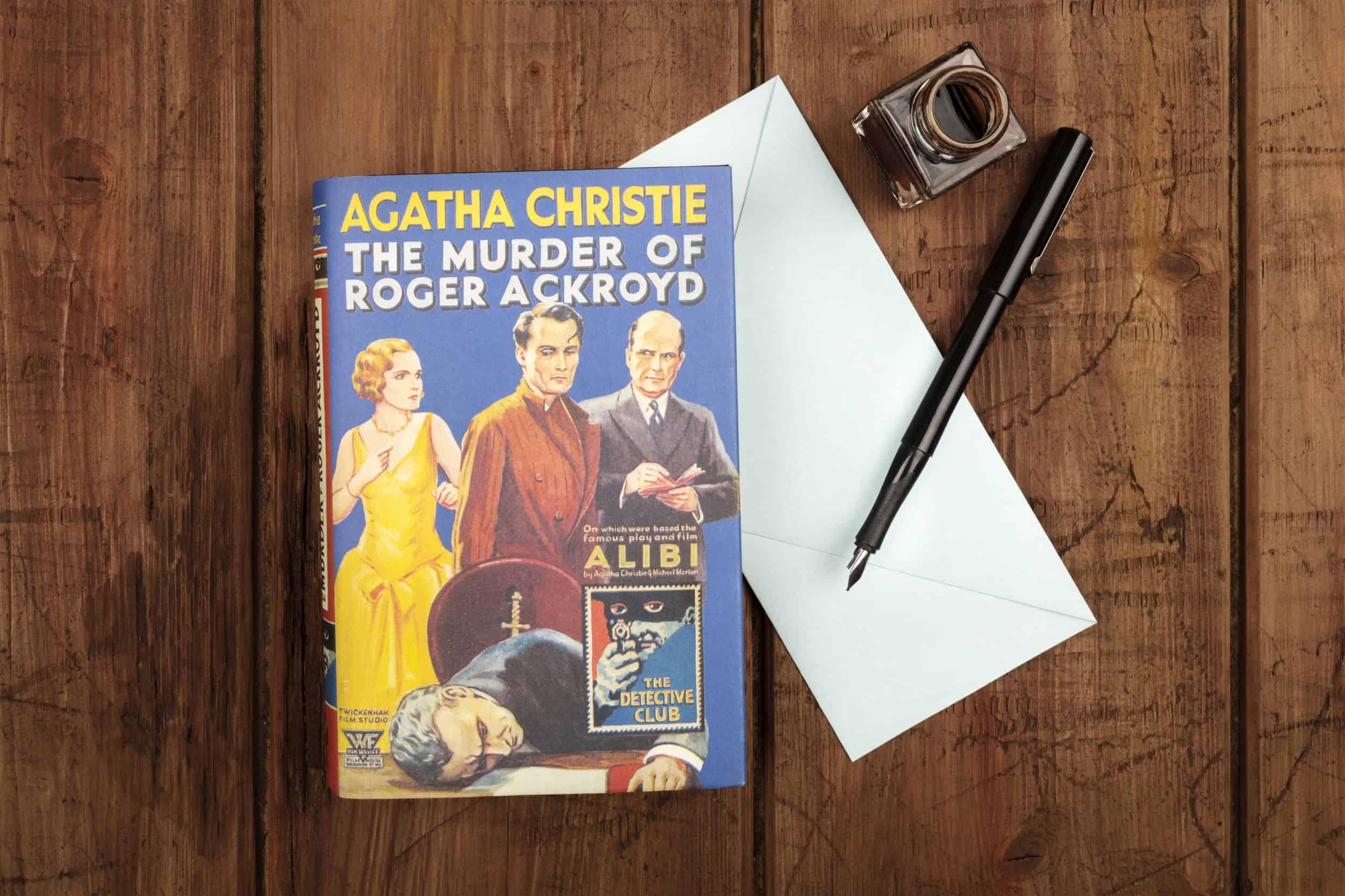 Imagem de um livro Agatha Christie.