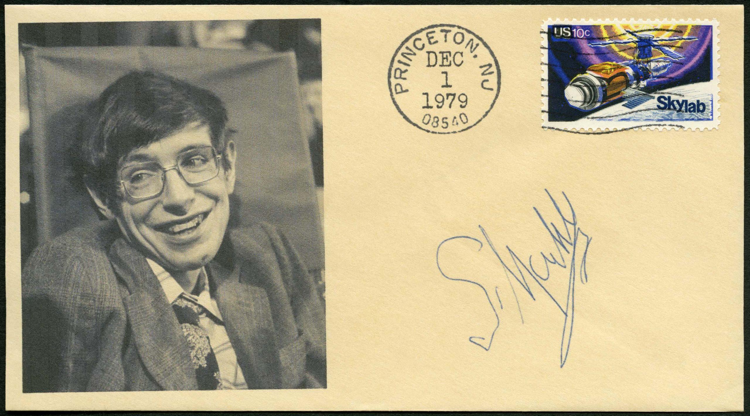 Uma carta com o carimbo de Princeton e uma foto de Stephen Hawking.