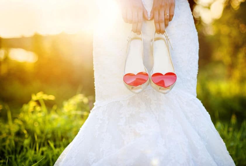 Noiva segundo sandália Melissa.