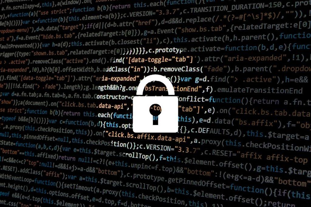 imagem de dados ao fundo, com um cadeado de grande porte na frente, impedindo o acesso.