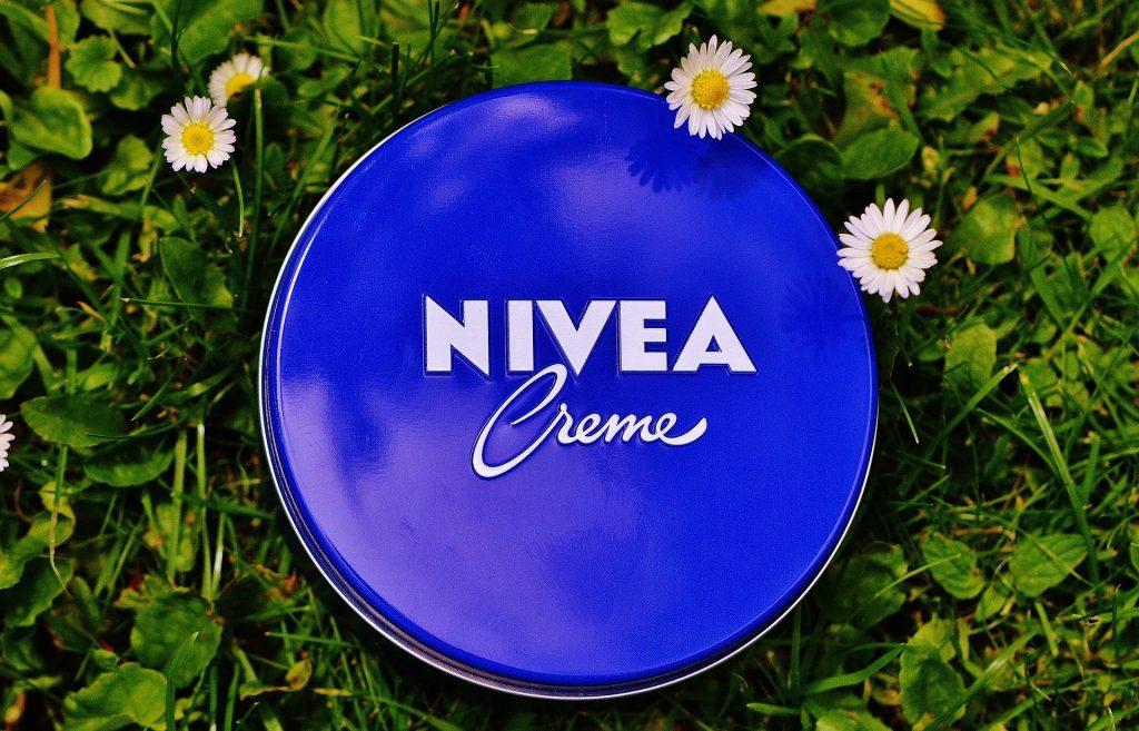 Imagem de pote de creme hidratante Nivea