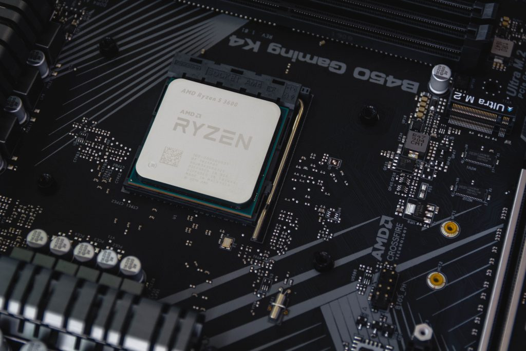 Processador AMD Ryzen instalado.