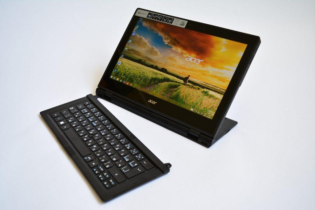 Imagem de um notebook híbrido da Acer
