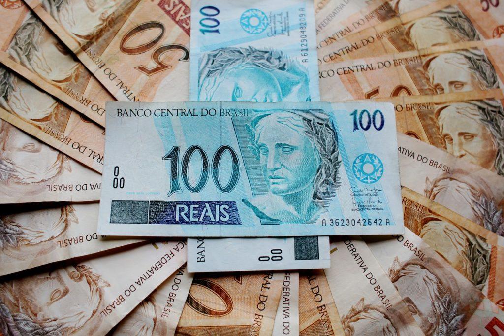 Notas de dinheiro.