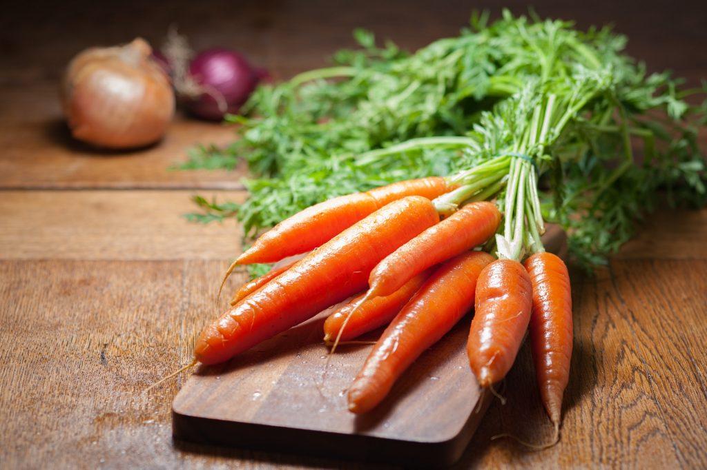 Imagem de cenouras.