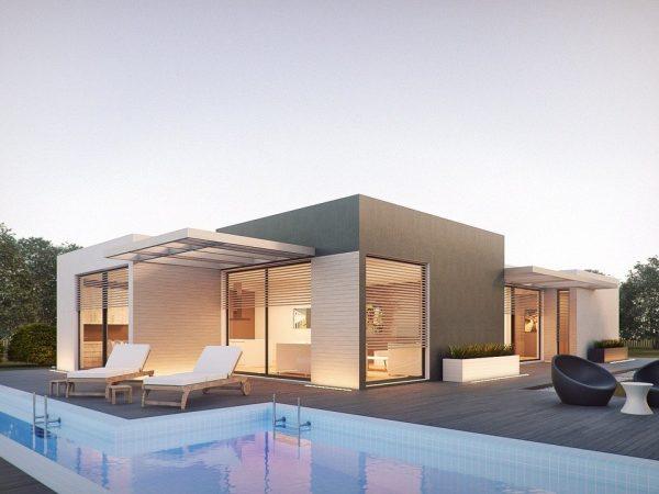 Imagem mostra uma grande piscina junto a uma casa grande.
