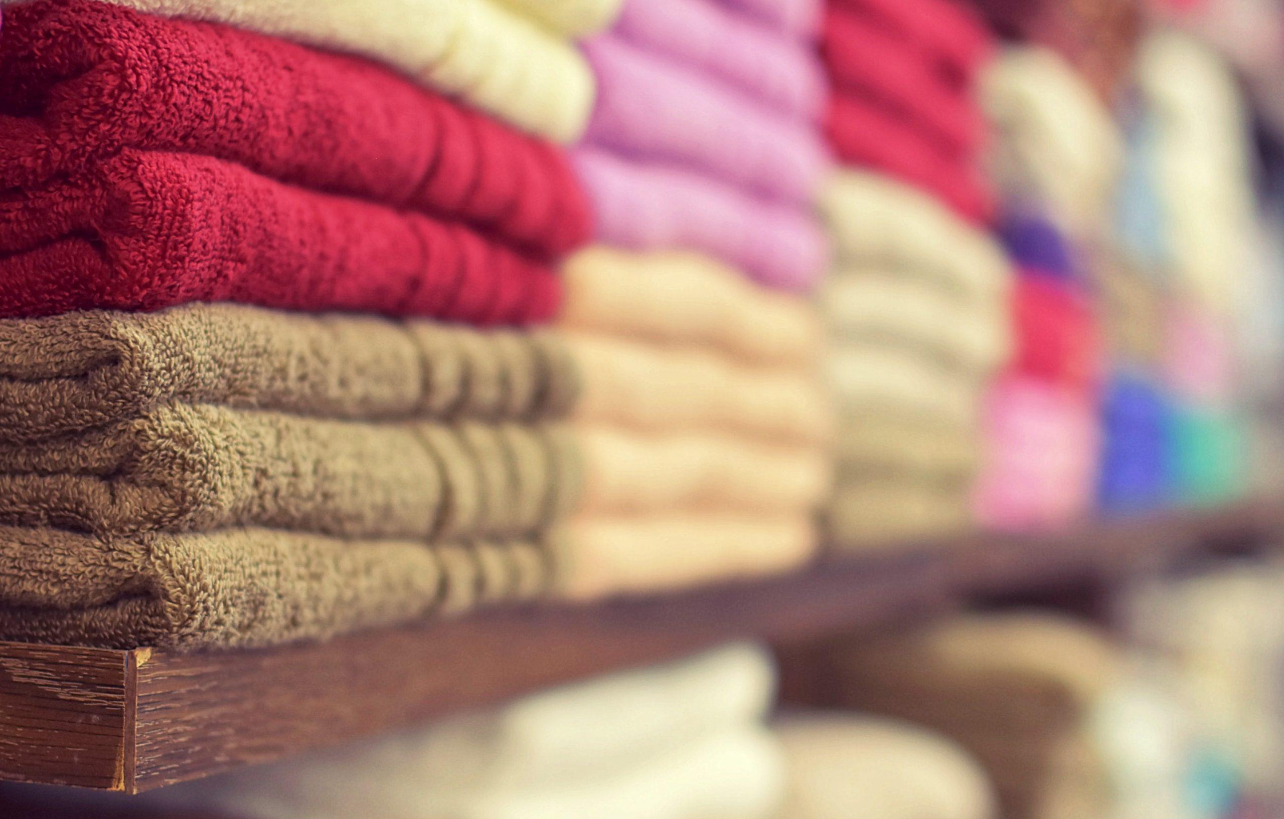toalhas empilhadas
