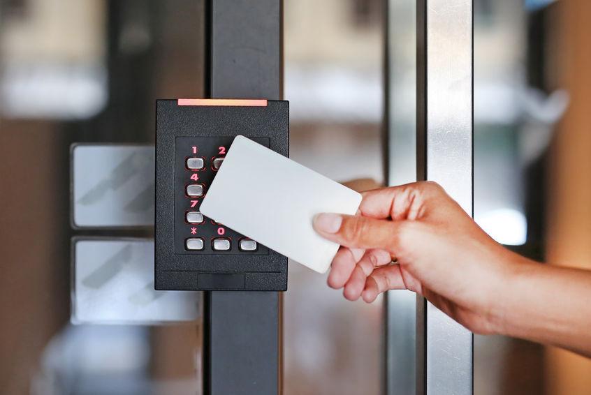 Imagem de um dispositivo de controle de acesso.