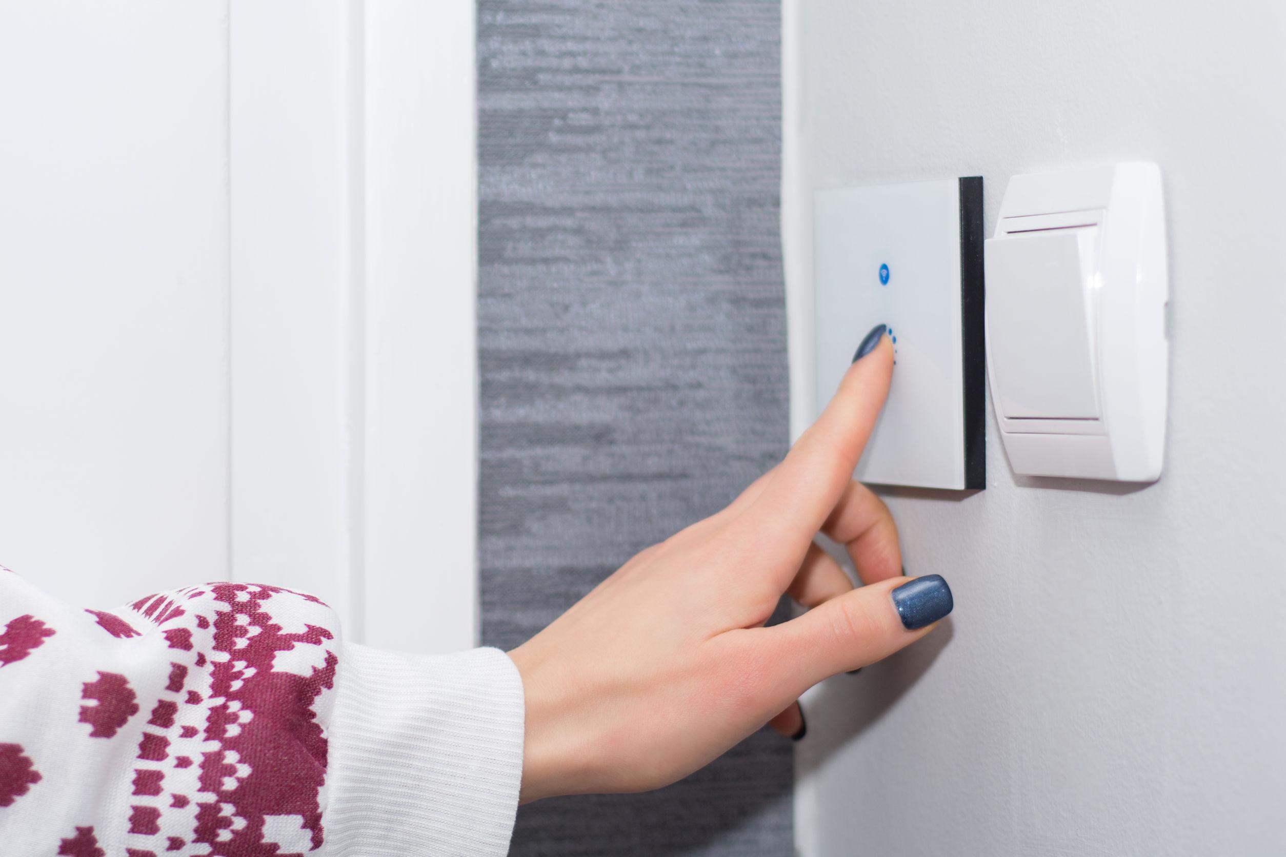 Imagem de um interruptor Wi-Fi.
