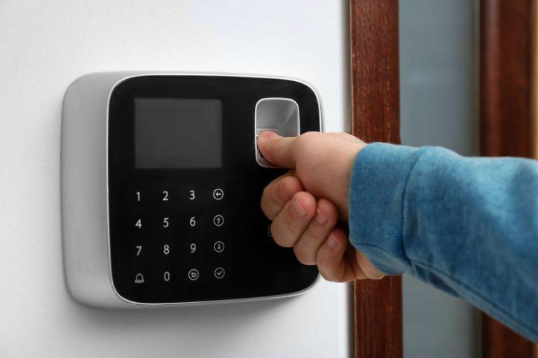 Imagem de um leitor biométrico.