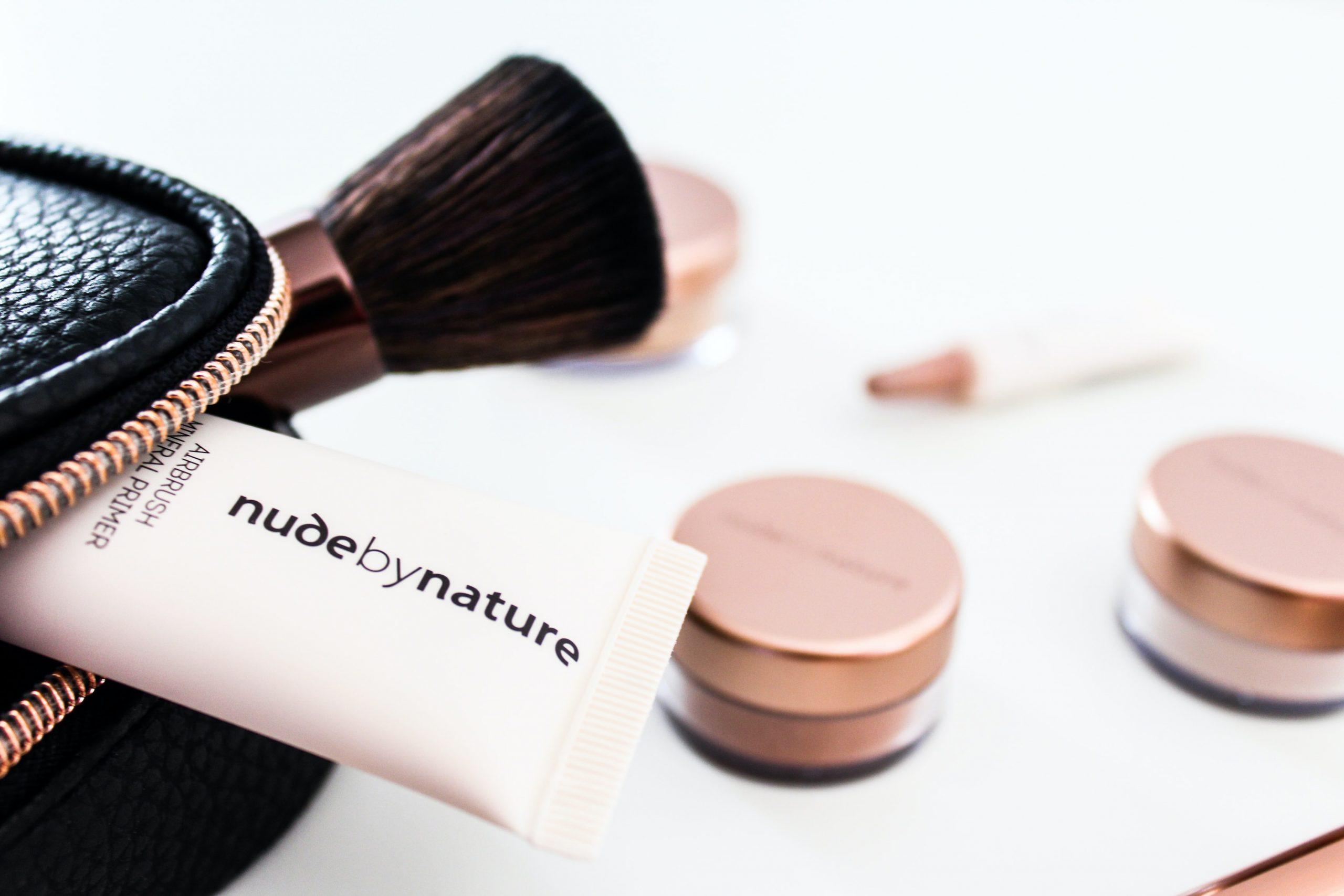 Imagem de uma necessaire de maquiagem