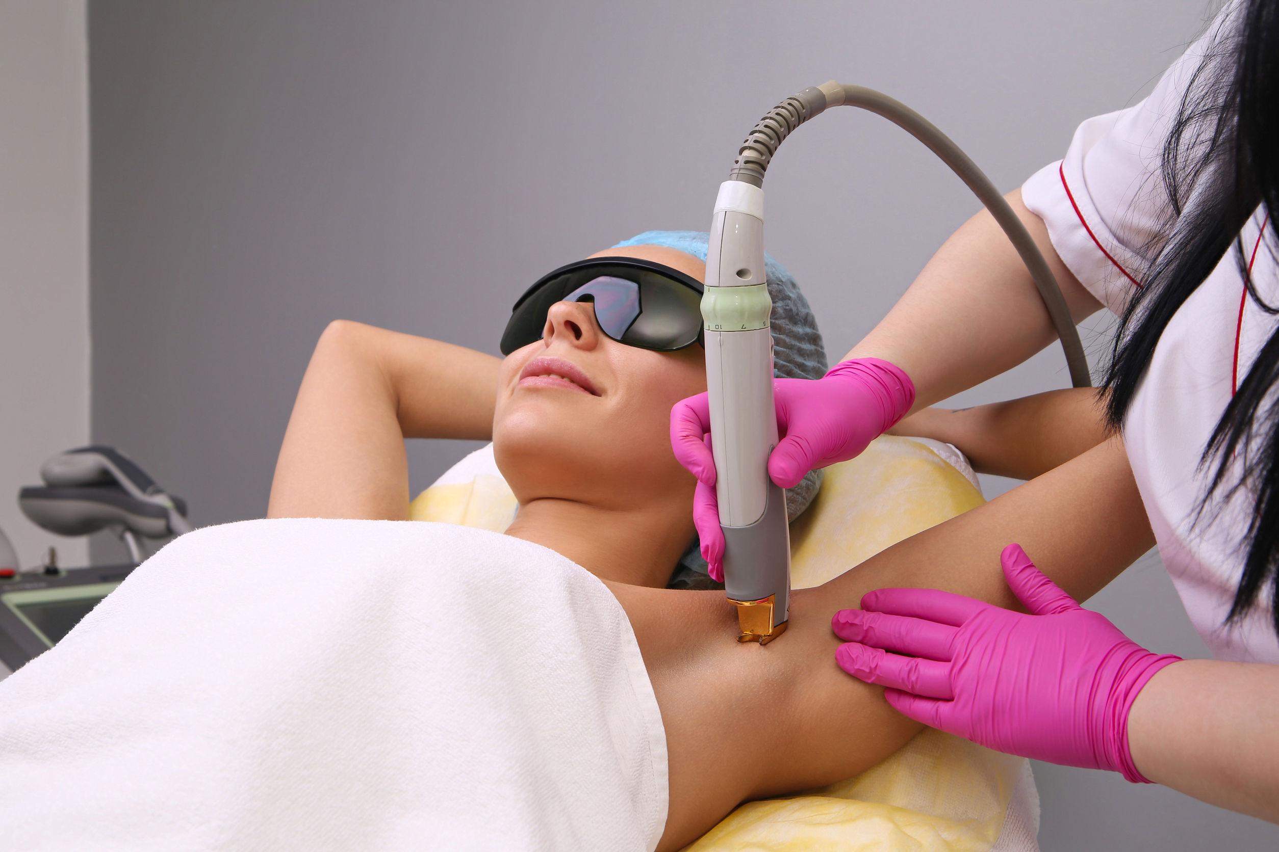 técnica a laser também é ensinada no curso de depilação
